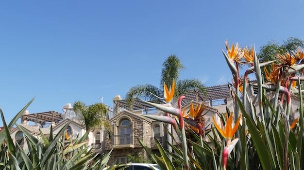 Загородные дома по ул. архитектура экстерьера зданий таунхаусов. жилая недвижимость в сша