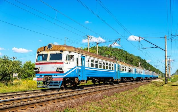 Пригородный поезд по киевской области украины