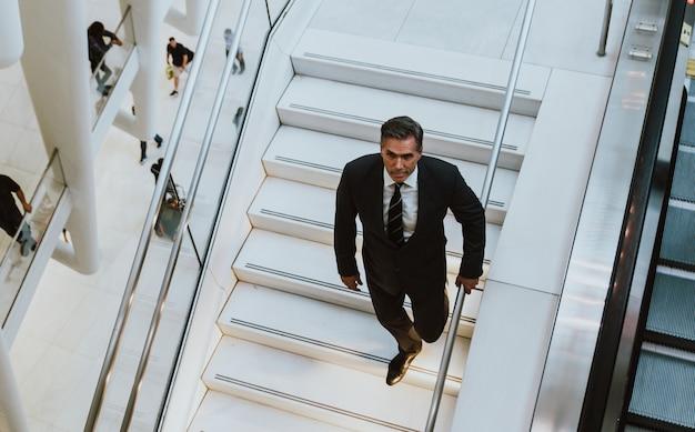 Успешный деловой человек в нью-йорке, портреты и образ жизни