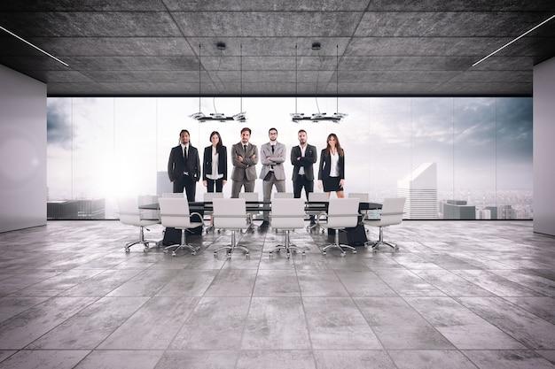 会議室でのビジネスチームワークの成功