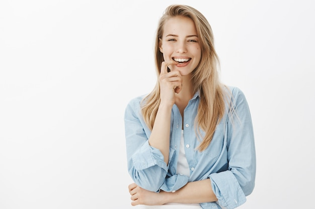 ブルーカラーシャツで成功した女性起業家