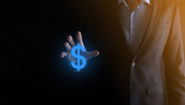 사업가 남자 사람과 성공적인 국제 금융 기호 sinvestment 개념은 성장, 차트 및 달러 기호, 디지털 기술을 보여주는 개최.