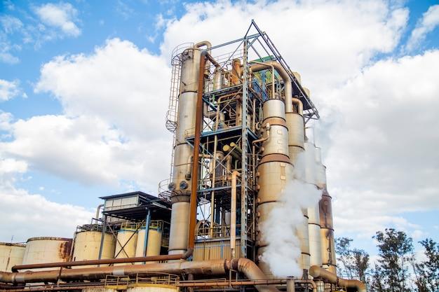 Sugar cane refinery