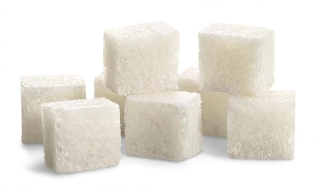 흰색 배경에 고립 된 설탕 큐브