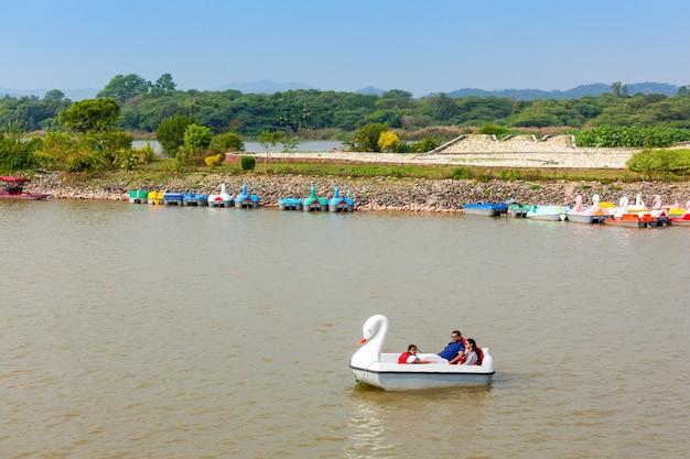 찬디 가르 수 크나 호수