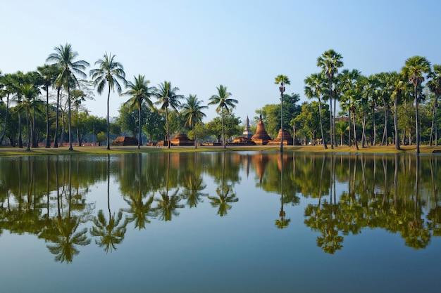 Сукотаи исторический парк, в таиланде.