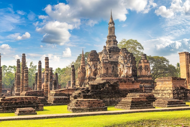 Исторический парк сукхотай, таиланд