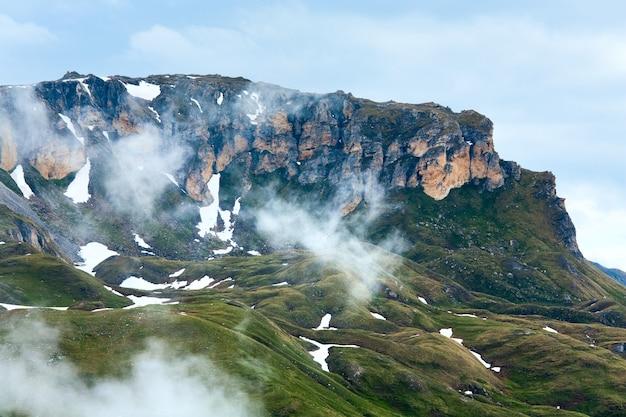 サマーアルプス山(グロースグロックナーハイアルパインロードからの眺め)