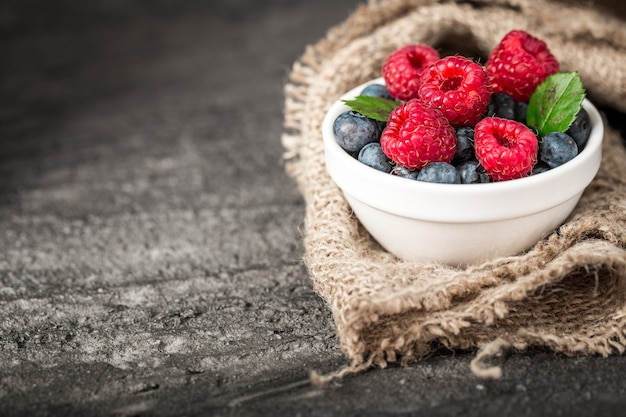 Микс summer berries с малиной и черникой