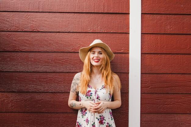 여름 금발 소녀