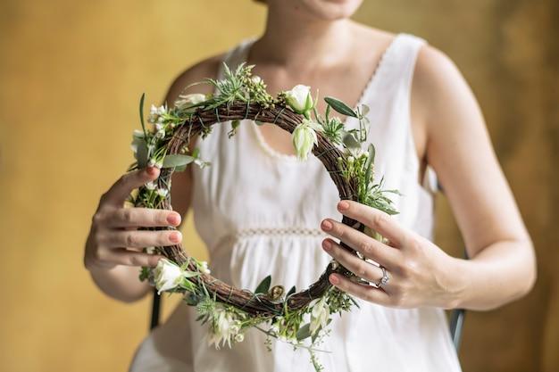 Летняя невеста с цветочным венком