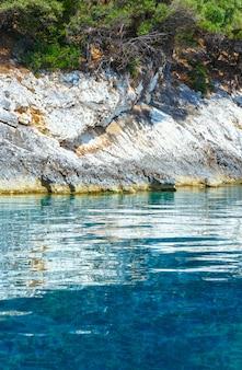 Agia effimia, 그리스에서 멀지 않은 모터 보트 kefalonia에서 여름 해안보기