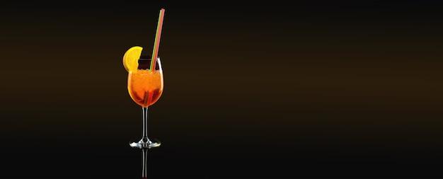 Летний коктейль с долькой апельсина