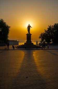 Summer dawn on primorsky boulevard in odessa, ukraine