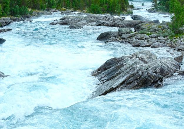 Summer mountain river waterfalls view (ottafossen, norge )