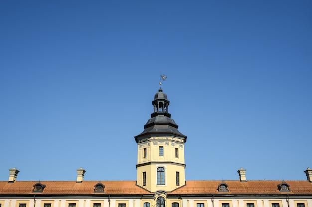 Nesvizh.belarusの街の夏のnesvizh城