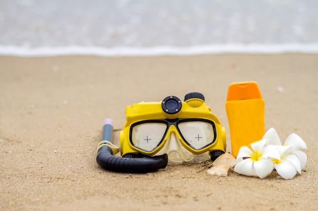 ビーチや夏の夏、サンブロック、シュノーケル、休暇