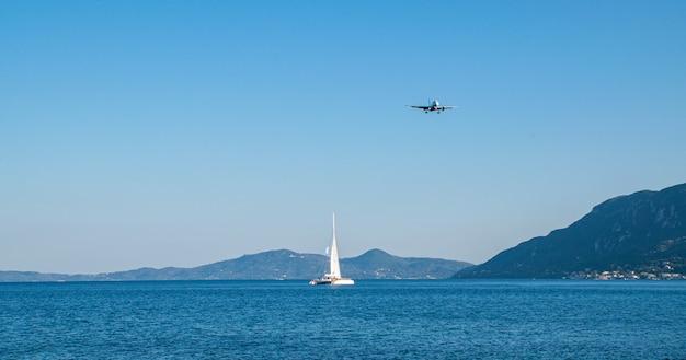 Летний панорамный морской пейзаж