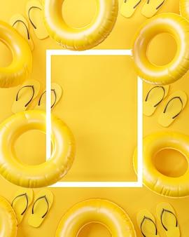 夏のポスターフレーム黄色の背景コピースペース3dレンダリング