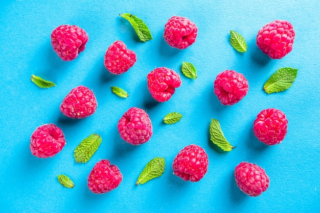 Summer raspberries pattern