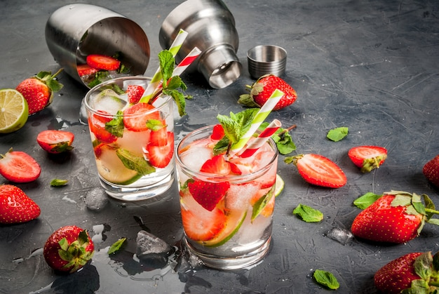 Summer refreshing mojito with strawberry