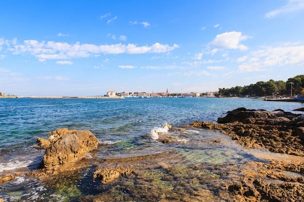 포레 치의 여름 바다