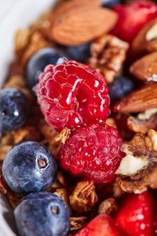깨끗한 유기농 다이어트의 개념으로 여름 맛있는 과일