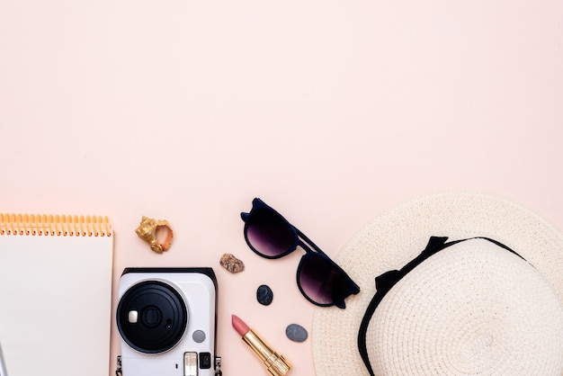 여름 여행 액세서리