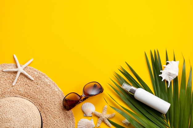 여름 휴가 개념 평면 배치. 바닷가 부속품 평면도