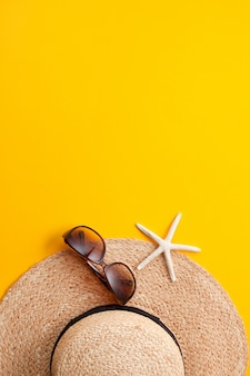 Summer vacation concept flat lay. beach accessories