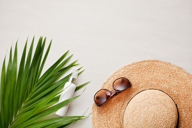 Summer vacation flat lay. beach accessories