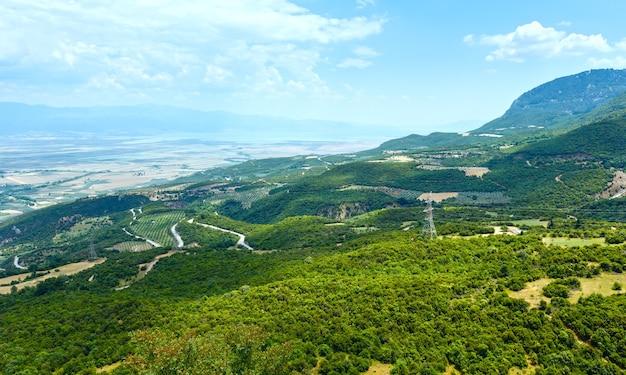 Летний вид на эгейское море с вершины холма греция