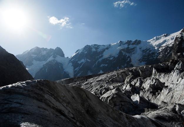 Sun shining in the mountains