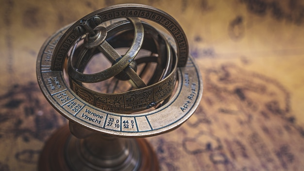 Sundial compass with zodiac sign
