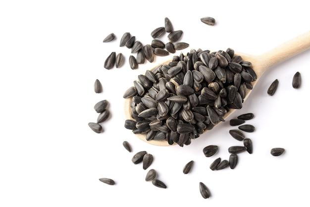 Семена подсолнечника, изолированные на белом.
