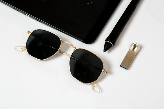 Sunglasses pen and flash drive