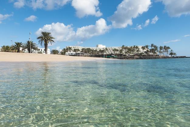 Солнечный берег, коста тегисе, лансароте, канарские острова, испания.