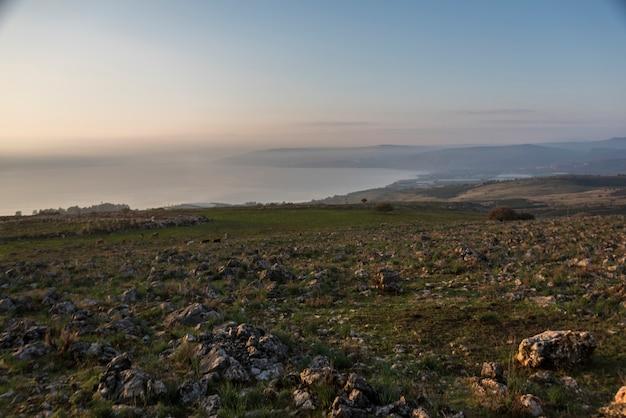 Восход солнца над галилейским морем, галилея, израиль