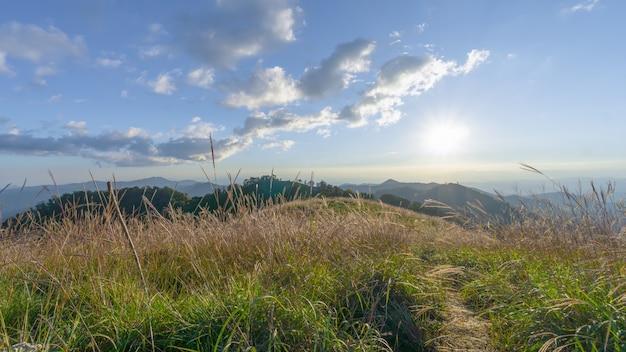 태국 치앙마이 산맥 일출