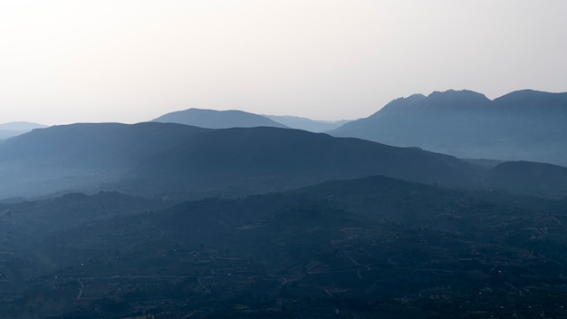 モンカブレール山からの日の出の景色。