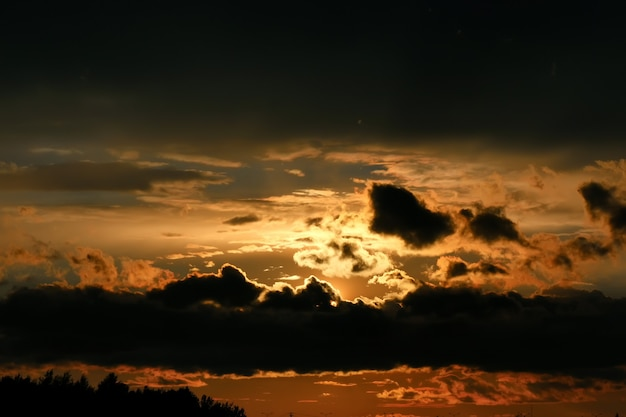 夕焼け雲暗い