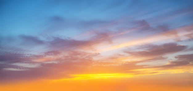 日没後の空の日没の風景