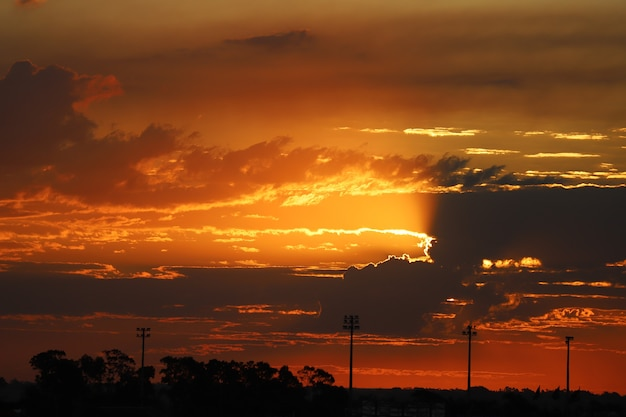 Sunset sky line in urban setting. Premium Photo