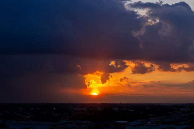 雲と夕焼け