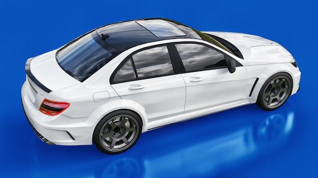 파란색 배경에 초고속 흰색 스포츠카. 체형의 세단. 튜닝은 일반 가족용 자동차의 버전입니다. 3d 렌더링.