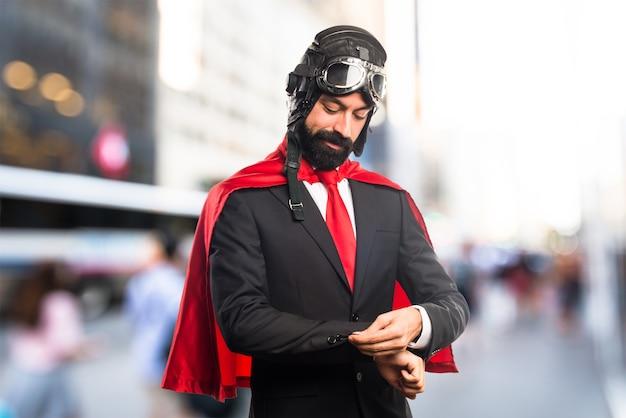 Uomo d'affari super eroe
