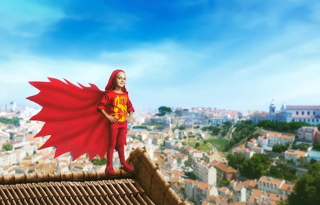 スーパーヒーローの少女