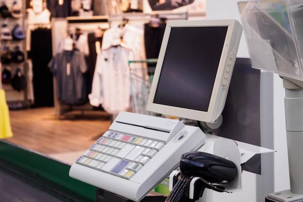 빈 컴퓨터 모니터 화면 슈퍼마켓 현금 책상 계산대 지불 터미널
