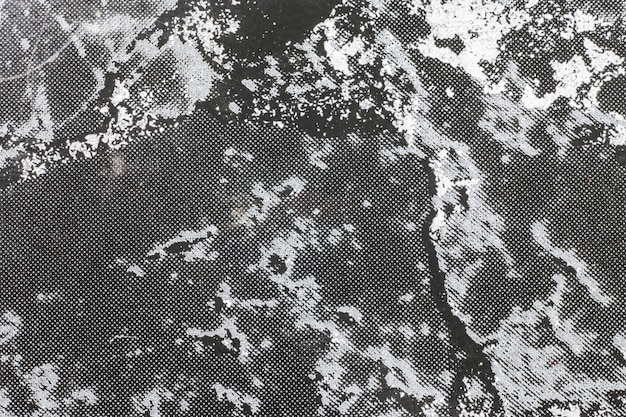 黒みがかった大理石の表面