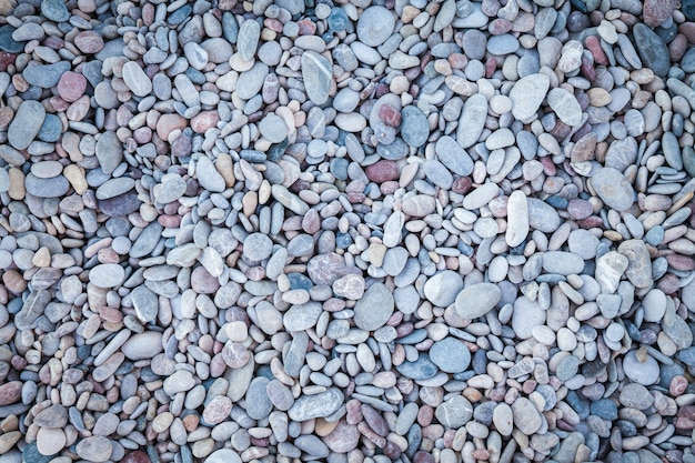 Surface with dry rounded pebbles